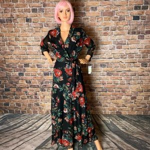 Laundry By Shelli Segal Dresses - Beautiful floral maxi dress by Laundry